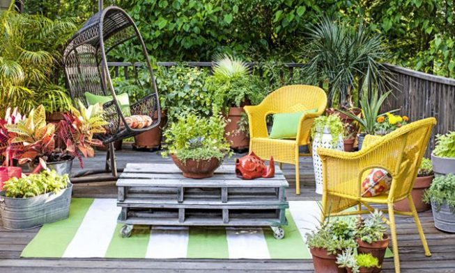 Home / 27+ Most Creative Small Deck Ideas, Making Yours Like Never Before!  / Deck Garden