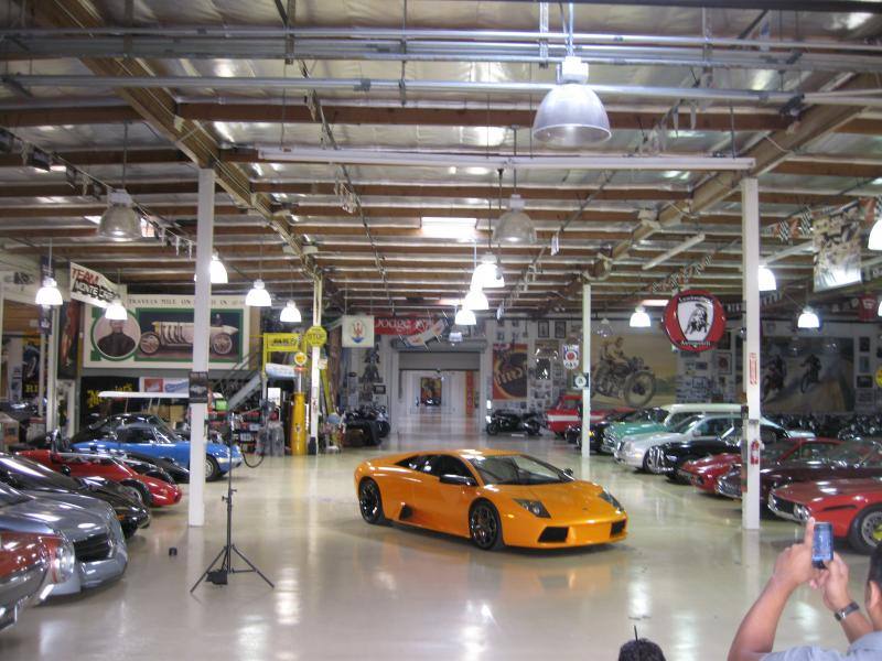 25 uniquely awesome garage lighting ideas to inspire you for Garage auto courbevoie