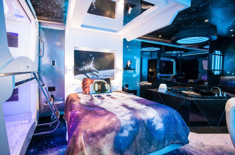 space theme room