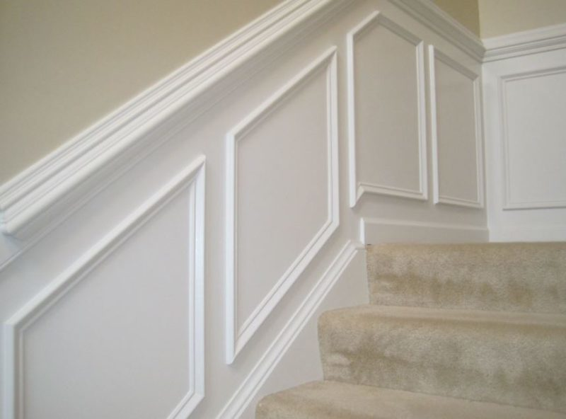 wainscoting ideas for stairs