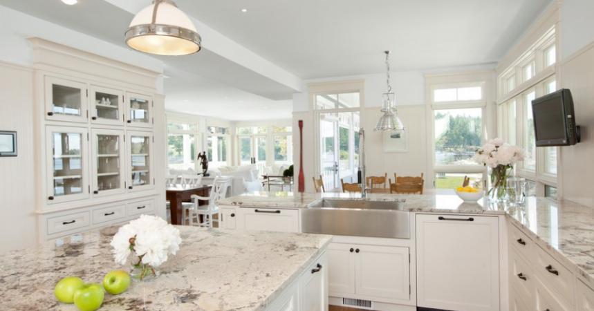 img. Home / interior / 10 Antique White Kitchen Cabinets ... - 10+ Antique White Kitchen Cabinets That Jazz Your Kitchen Up